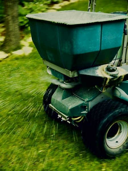 Lawn Fertilizers And Spreaders