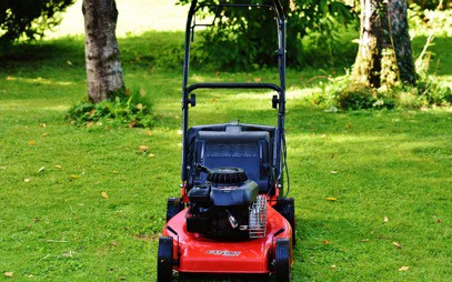Starting Her Up: What Kind Of Oil Works For Lawn Mowers?